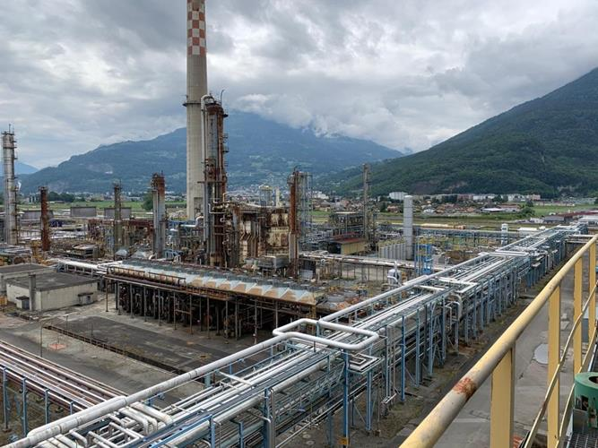 Refinery in Switzerland